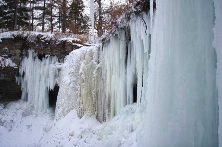 frozen_waterfall_3